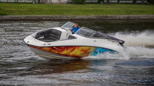 Экскурсия Аренда катера Challenger 230se в Санкт-Петербурге