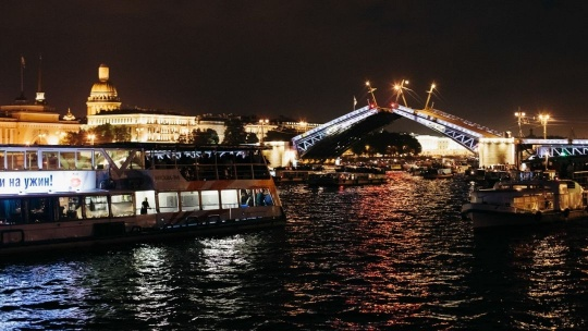 Экскурсия Ночная обзорная экскурсия с панорамой разведения мостов в Санкт-Петербурге