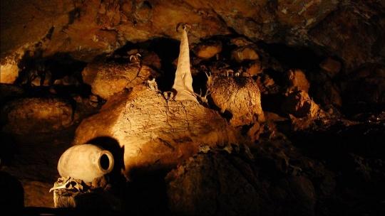 Экскурсия Красная пещера в Алупке