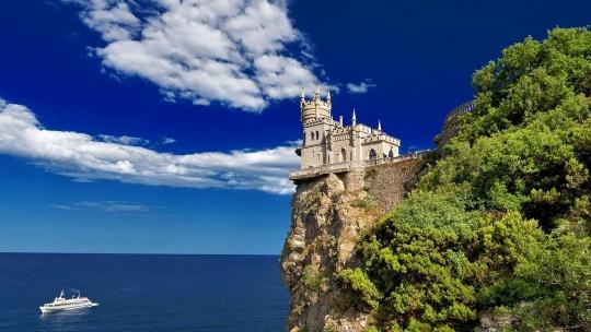 Экскурсия Дворцы Южного берега Крыма по Любимовке