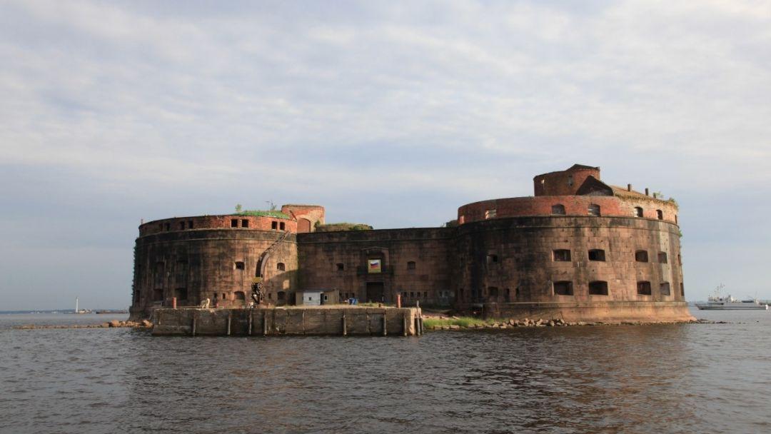 Морская прогулка по фортам Кронштадта - фото 1
