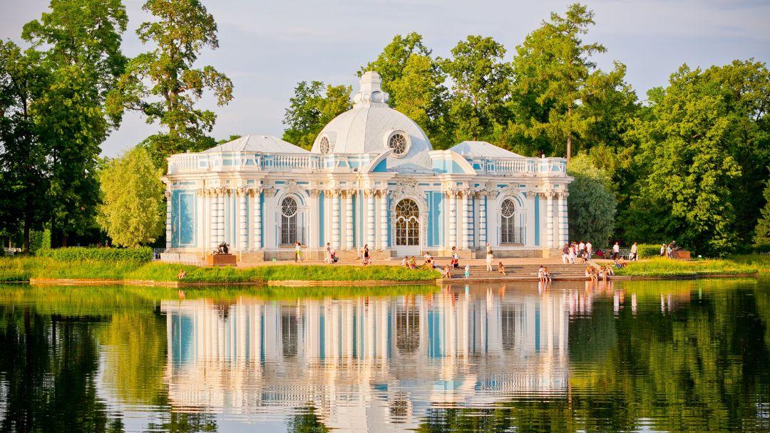 Пушкин (Царское Село) с посещением Екатерининского дворца и Янтарной комнаты в Санкт-Петербурге