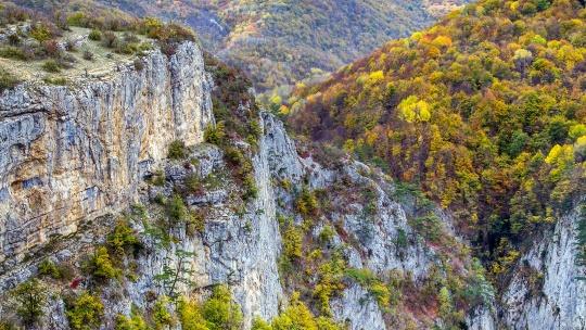 Экскурсия Большой каньон Крыма по Ливадии