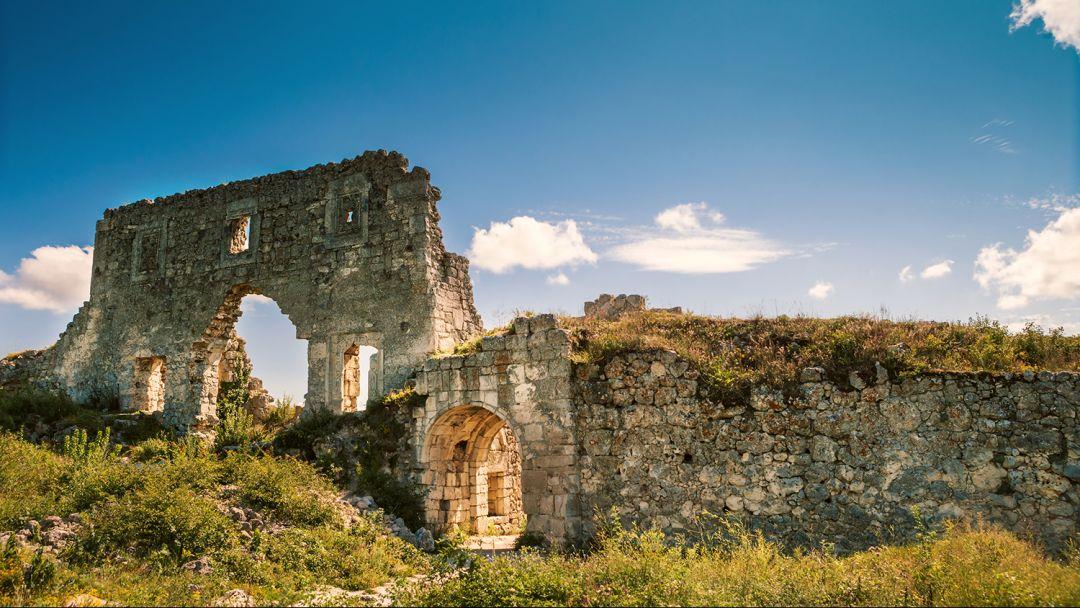 Пещерный город Мангуп-Кале  - фото 1