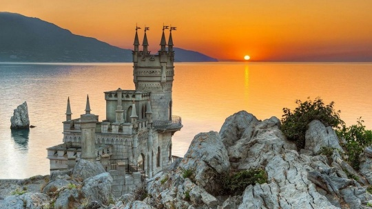 Экскурсия Морская прогулка на катере к замку Ласточкино гнездо в Ялте