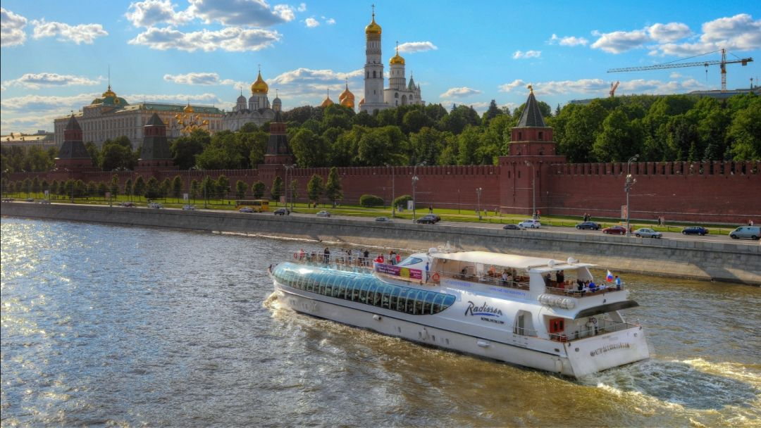 Экскурсия Прогулка на двухэтажном автобусе по Москве + речная прогулка