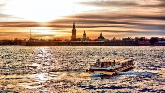Экскурсия Прогулка на двухэтажном автобусе по Санкт-Петербургу + речная прогулка