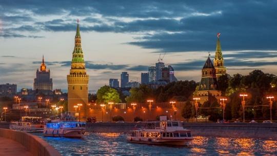 Экскурсия Волшебный вечер на Москве-реке по Москве