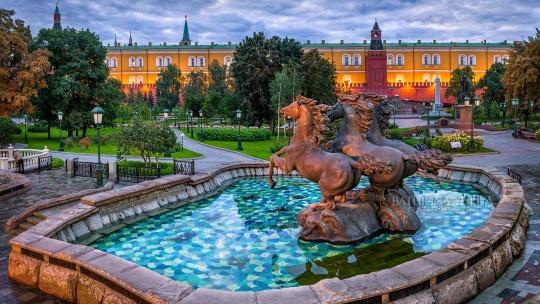 Красная площадь и Александровский сад с частным гидом - фото 3