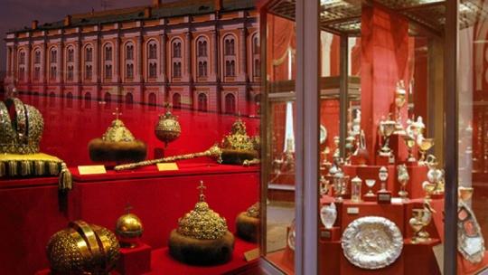 Экскурсия Экскурсия в Оружейную палату, Красной плщади и Александровскому  по Москве