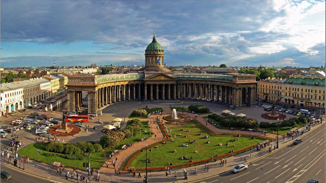 От Дворцовой площади до Казанского собора - фото 2