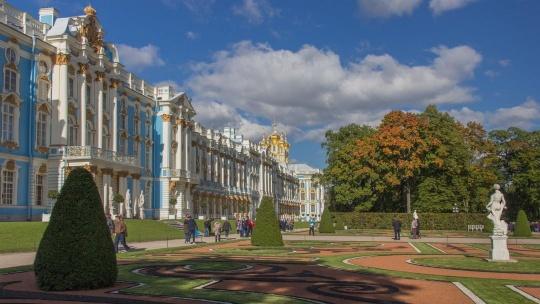 Экскурсия Автобусная экскурсия в Царское Село с посещением Екатерининского дворца и Янтарной комнаты в Санкт-Петербурге