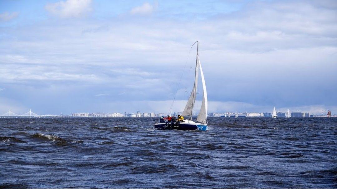 Прогулка на парусной яхте по акватории Финского залива с мастер классом по яхтингу - фото 6