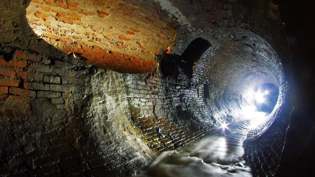Экскурсия с диггером: Подземная река Неглинная  в Москве