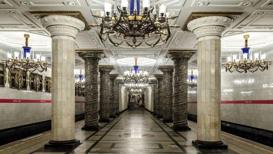 Экскурсия Экскурсия по станциям первой очереди Петербургского Метрополитена в Санкт-Петербурге