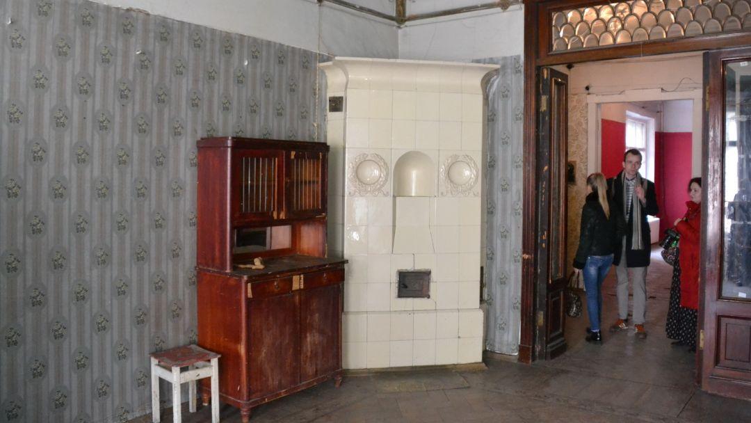 Экскурсия с посещением коммунальной квартиры в которой жил Довлатов - фото 3