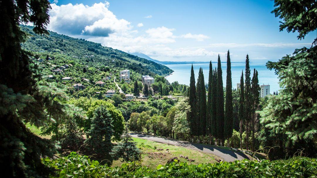 VIP экскурсия в Абхазию:  Гагра - Пицунда - Лыхны - Новый Афон - фото 1