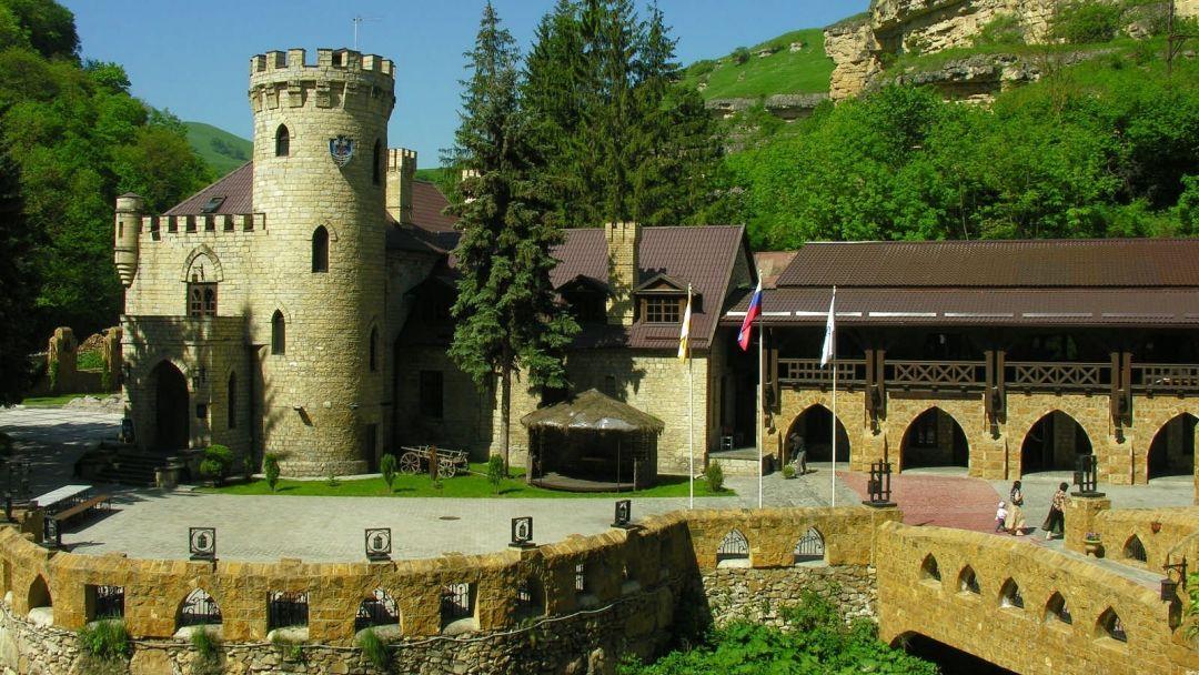 Экскурсия Кисловодск - замок коварства и любви