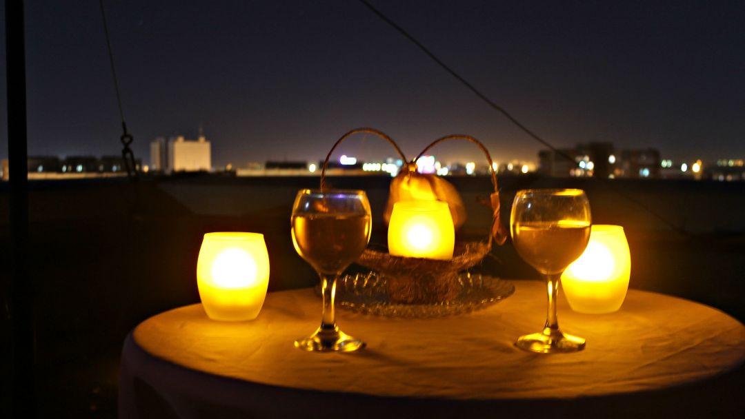 Романтический вечер на крыше в центре города - фото 1