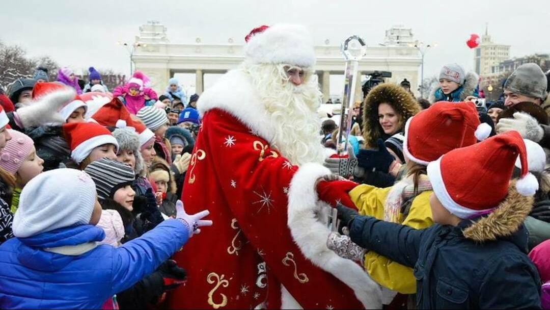Экскурсия Новогоднее путешествие  с Дедушкой Морозом по Москве