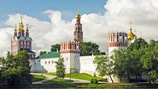Экскурсия Новодевичий некрополь с рассказом о монастыре по Москве