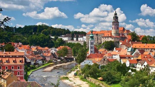 Экскурсия Чешский Крумлов и замок Глубока над Влатвой по Праге