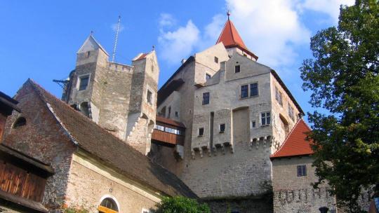 Экскурсия Моравский Крас и крепость Пернштейн по Праге