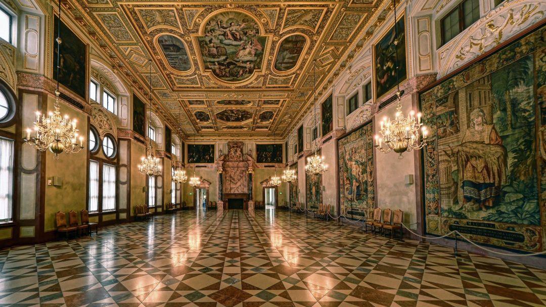 Королевская резиденция и сокровищница - фото 4