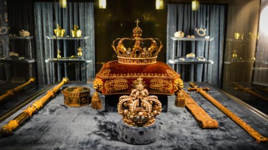 Экскурсия Королевская резиденция и сокровищница