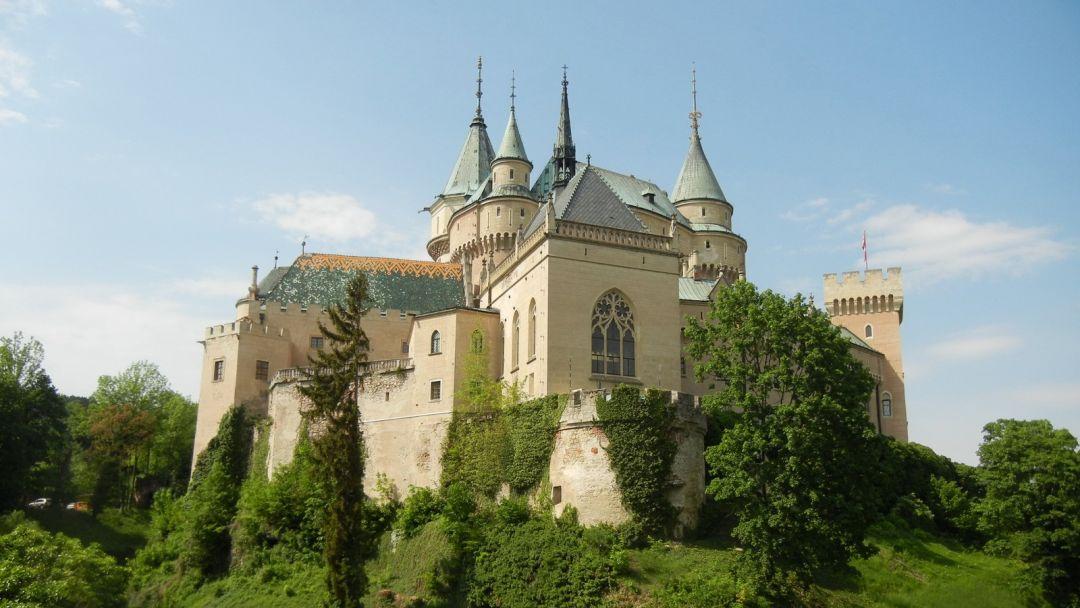 Экскурсия Замок и Картезианский монастырь