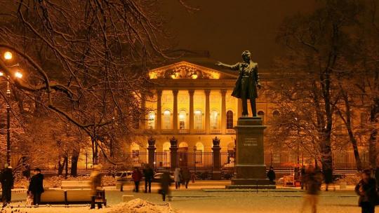 Площадь Искусств в Санкт-Петербурге