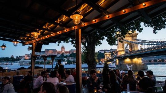 Экскурсия Тур по Барам Будапешта