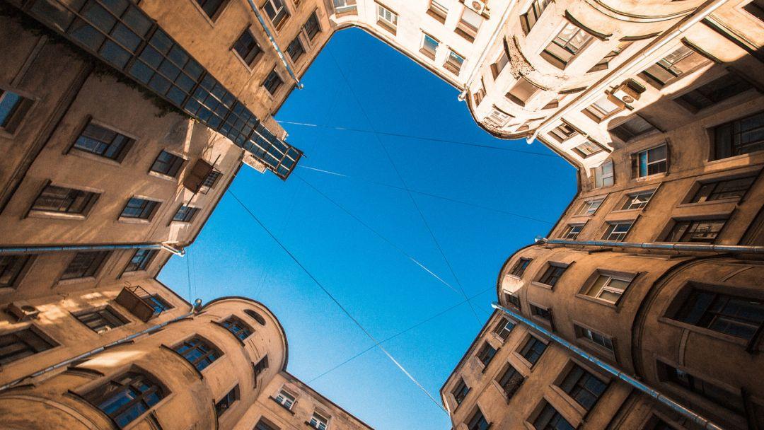 По дворам и парадным Петроградской стороны - фото 3