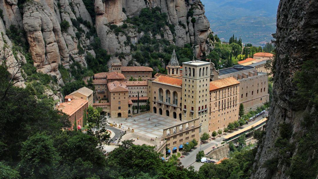 Экскурсия Горный монастырь Монсерат с обедом на оливковой ферме