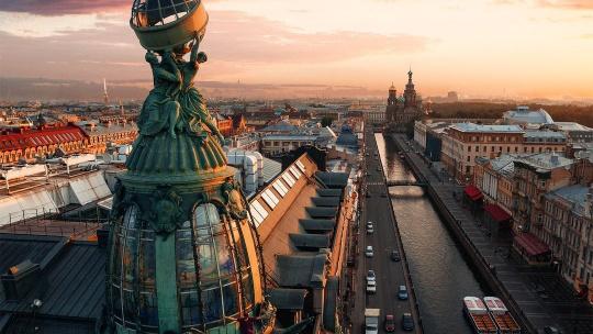 Экскурсия в дом Зингер с посещением крыши в Санкт-Петербурге