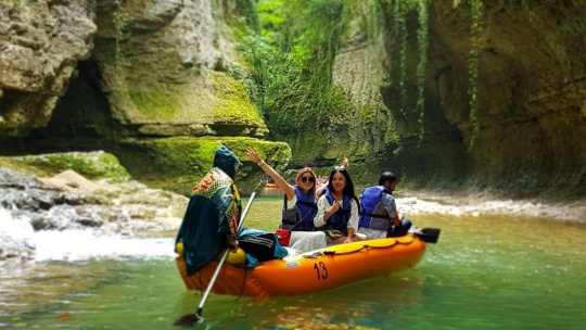 Экскурсия Каньоны и пещера Прометея по Батуми