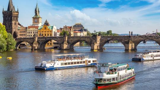 Экскурсия Двухчасовая прогулка по Влтаве с обедом по Праге