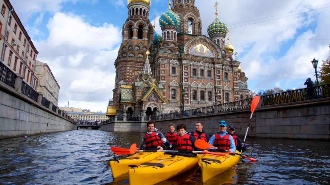 Прогулка на каяках по Центру Санкт-Петербурга - фото 1