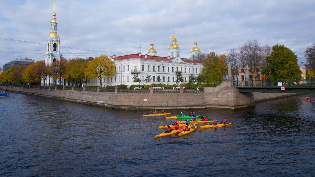 Прогулка на каяках по Центру Санкт-Петербурга - фото 2