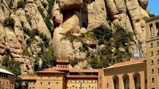 Монастырь Монтсеррат. Черная Мадонна - фото 2