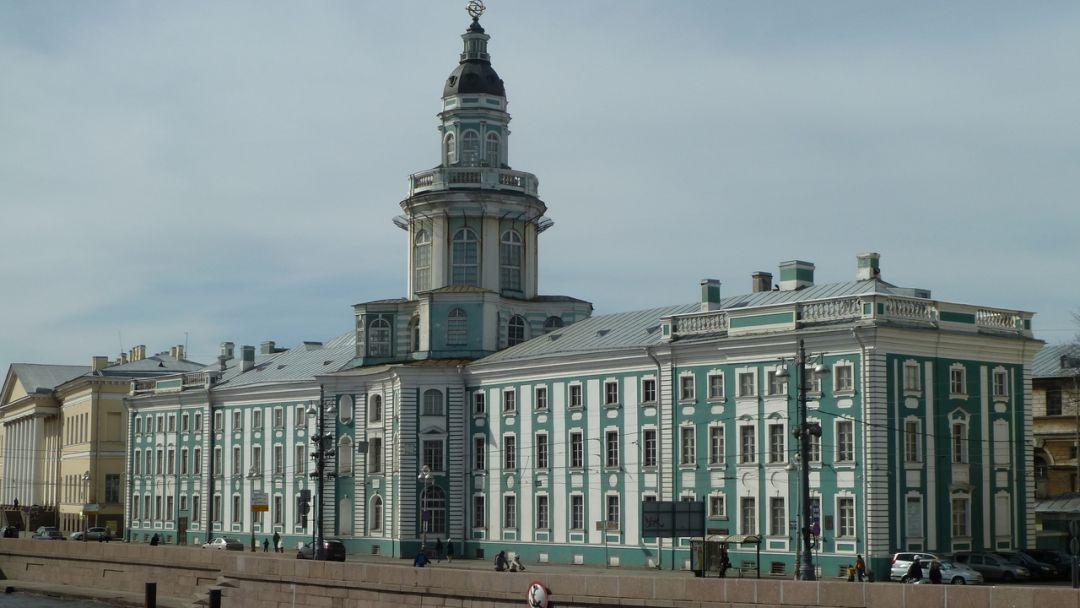 Обзорная экскурсия с посещением Кунсткамеры и Меншиковского дворца - фото 2