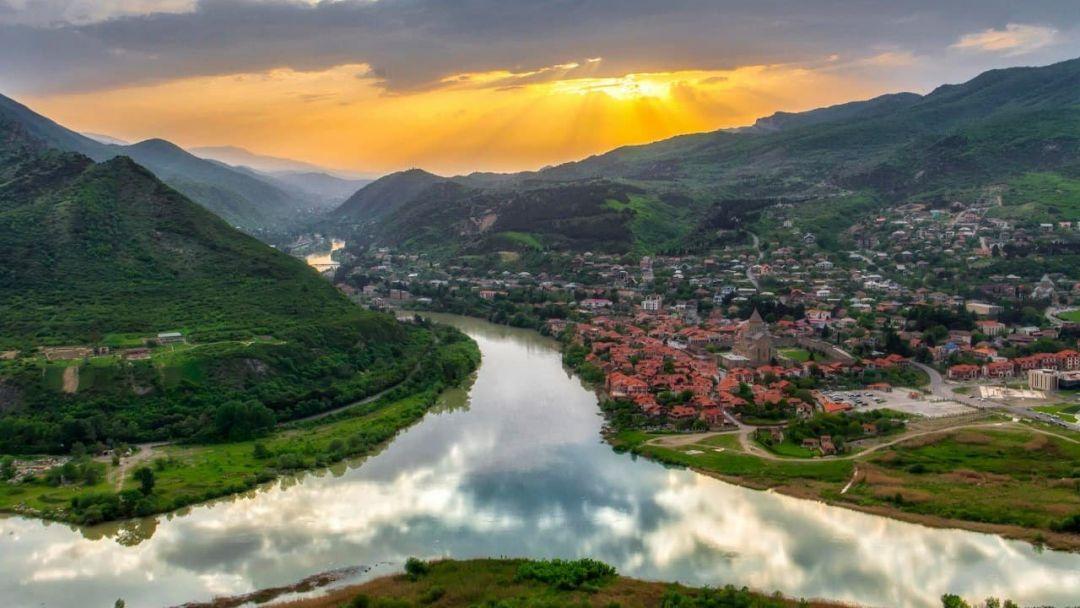 Исторические окрестности Тбилиси: Мцхета — Джвари — Ананури - фото 1