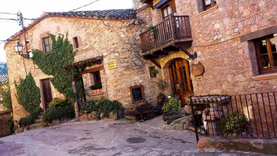 Экскурсия Средневековая Каталония: Мура и дегустация вин в замке Олер дель Мас