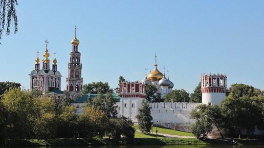 Экскурсия Новодевичий монастырь с посещением Новодевичьего кладбища по Москве