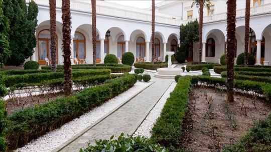 Блистательные дворцы Южнобережья - фото 7