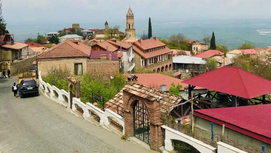 Город любви Сигнахи по Тбилиси