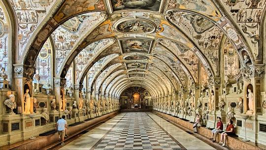 Экскурсия Королевская резиденция и сокровищница по Мюнхену