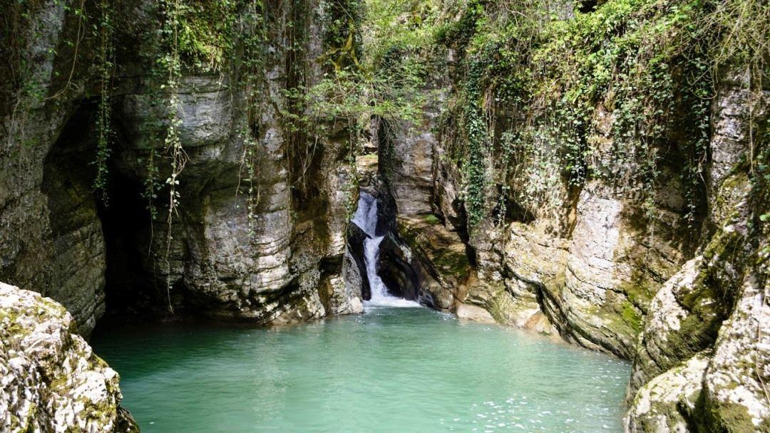 Пешеходная экскурсия: Агурские водопады и Орлиные скалы - фото 2