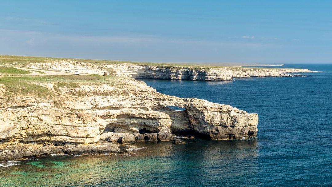 Загадочный заповедник Тарханкут и морская прогулка с купанием - фото 1