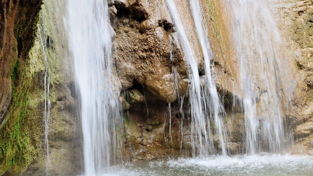 Экскурсия Путешествие к водопадам,дольменам и на пасеку